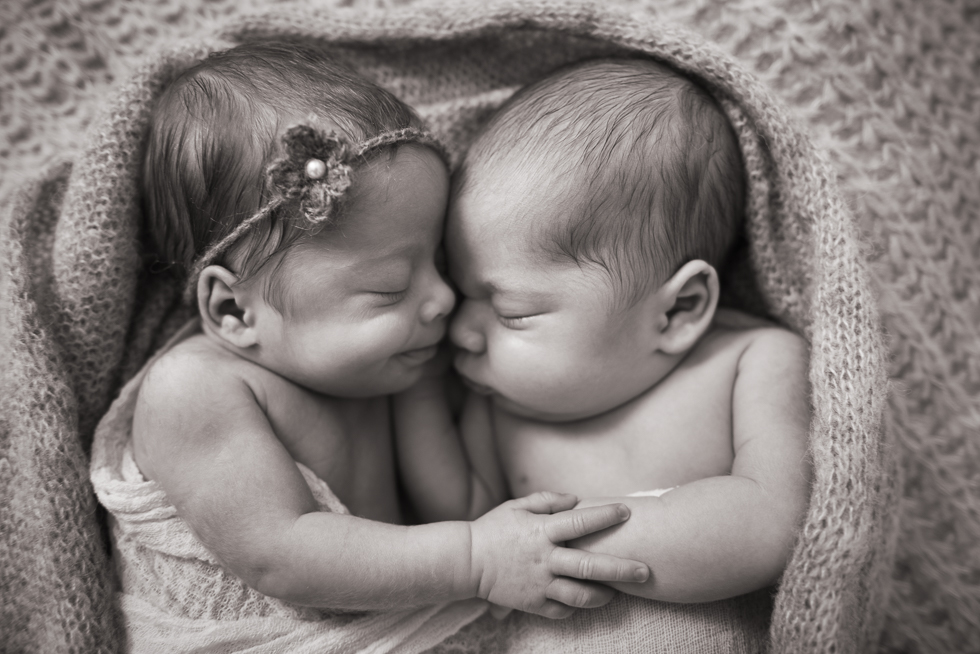 Twin Babies Photo Ideas