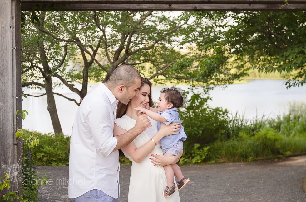 Candid Family Photo Ideas